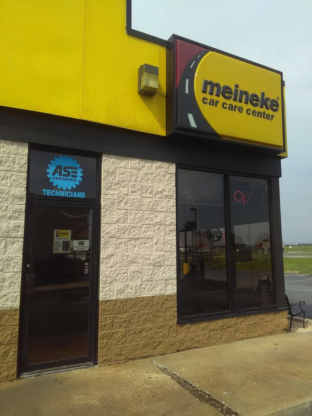 Meineke Car Care Center - car repair  | Photo 8 of 10 | Address: 120 N Dupont Hwy, New Castle, DE 19720, USA | Phone: (302) 414-0450