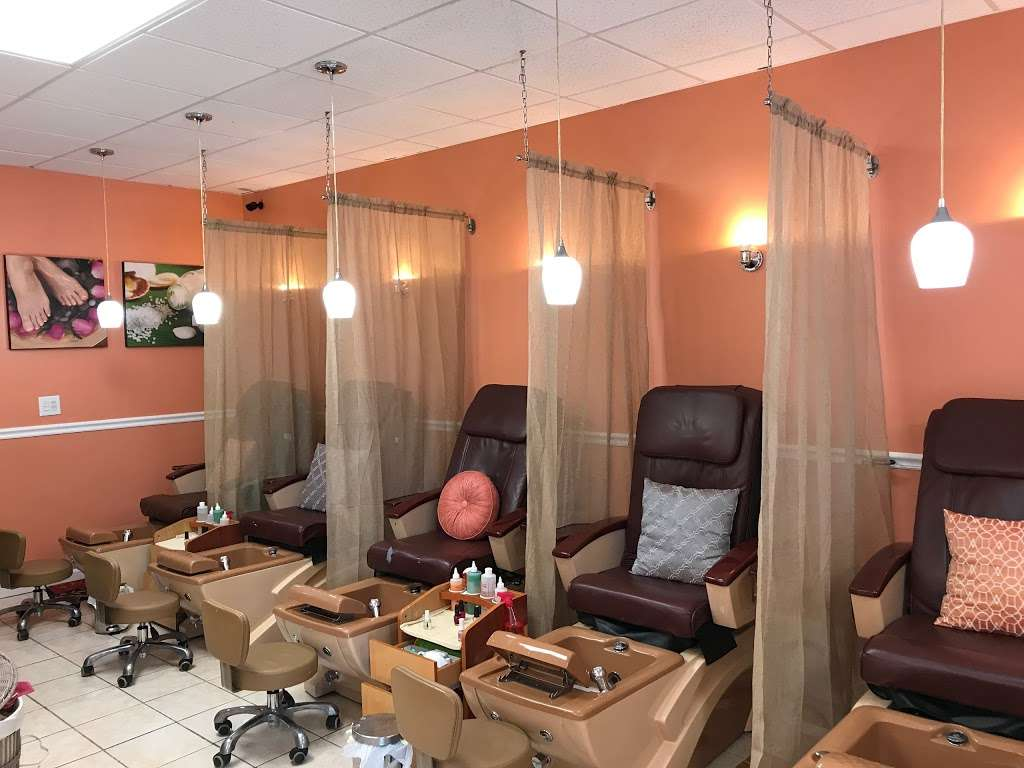 Annie Nails and Spa - hair care  | Photo 2 of 10 | Address: 240 Lakeview Ave, Tyngsborough, MA 01879, USA | Phone: (978) 226-5724