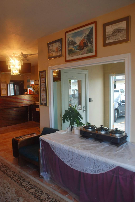 Merrill Field Inn - lodging  | Photo 6 of 9 | Address: 420 Sitka St, Anchorage, AK 99501, USA | Phone: (907) 276-4547