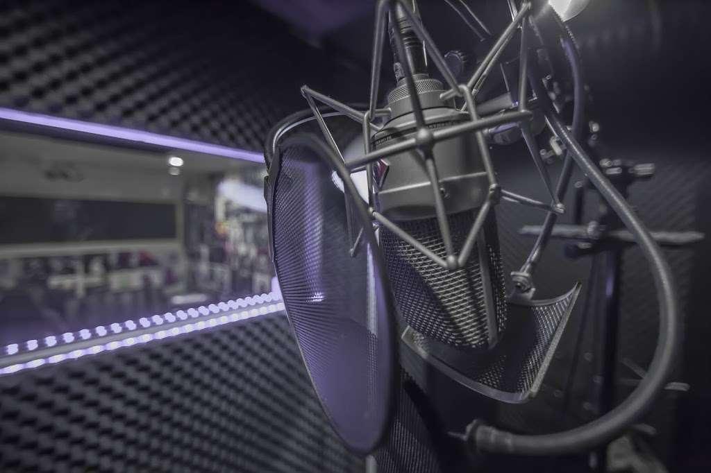 EBAN RECORDING | FILM STUDIOS - electronics store  | Photo 10 of 10 | Address: 934 W Patapsco Ave, Baltimore, MD 21230, USA | Phone: (443) 430-1764