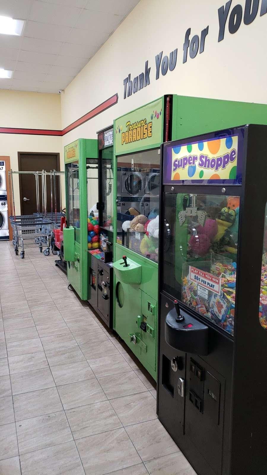 FUEL MAXX #60 - gas station  | Photo 5 of 10 | Address: 45620 US-290 BUS, Prairie View, TX 77446, USA | Phone: (936) 261-7070