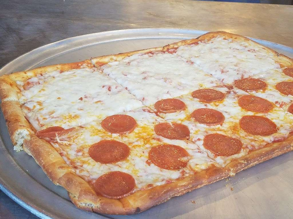 Baccis Pizza & Pasta - meal delivery  | Photo 1 of 10 | Address: 3220 E Hebron Pkwy, Carrollton, TX 75010, USA | Phone: (972) 662-7437