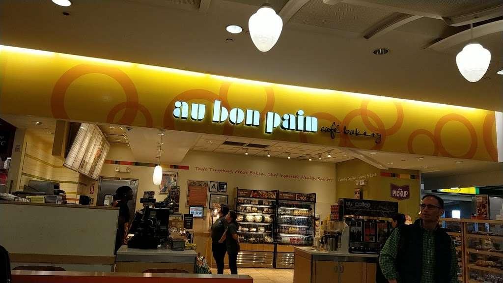 Au Bon Pain - cafe  | Photo 3 of 10 | Address: 1 Laguardia Airport, Flushing, NY 11371, USA | Phone: (718) 639-2516