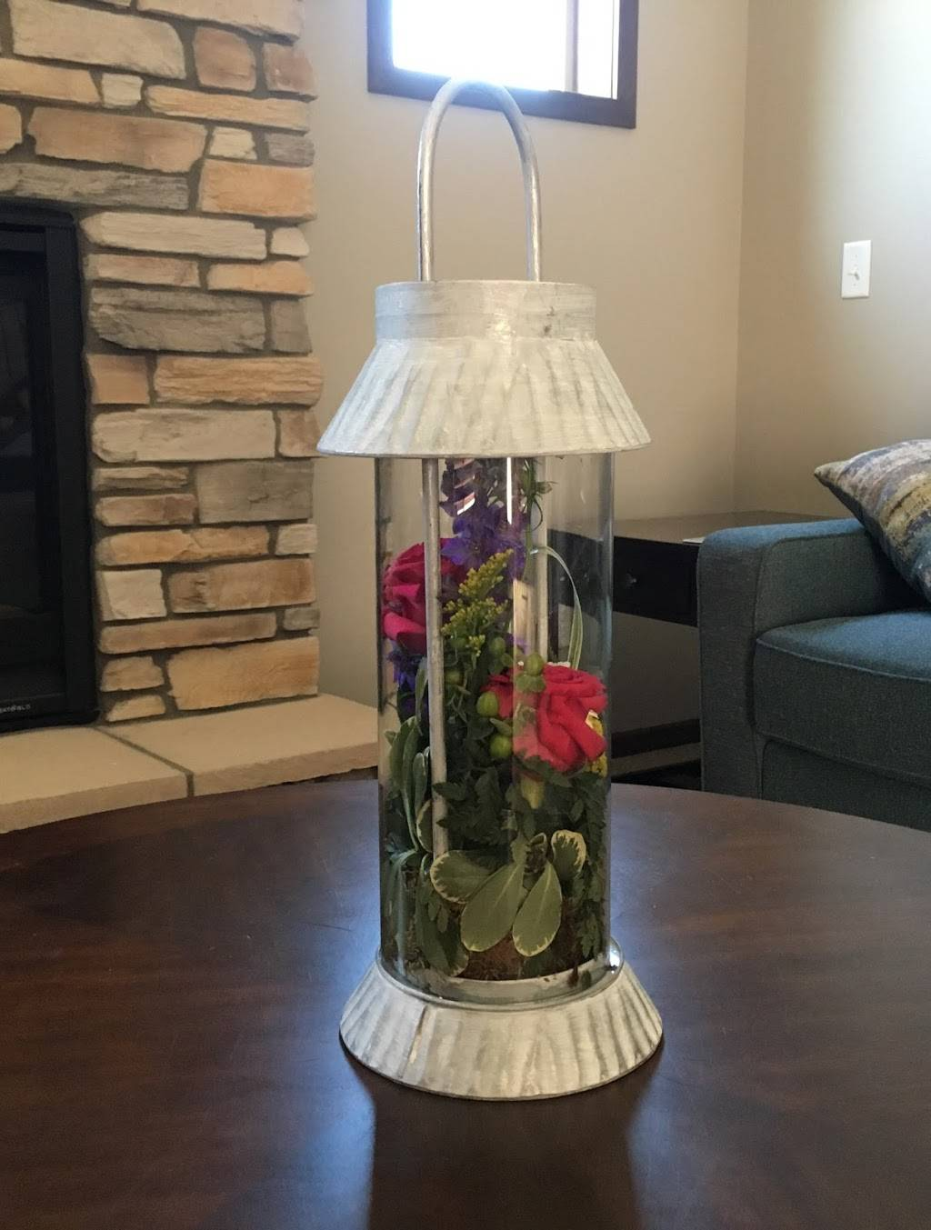 Hummingbird Floral & Gifts - florist  | Photo 4 of 9 | Address: 4001 Rice St, Shoreview, MN 55126, USA | Phone: (651) 486-0403