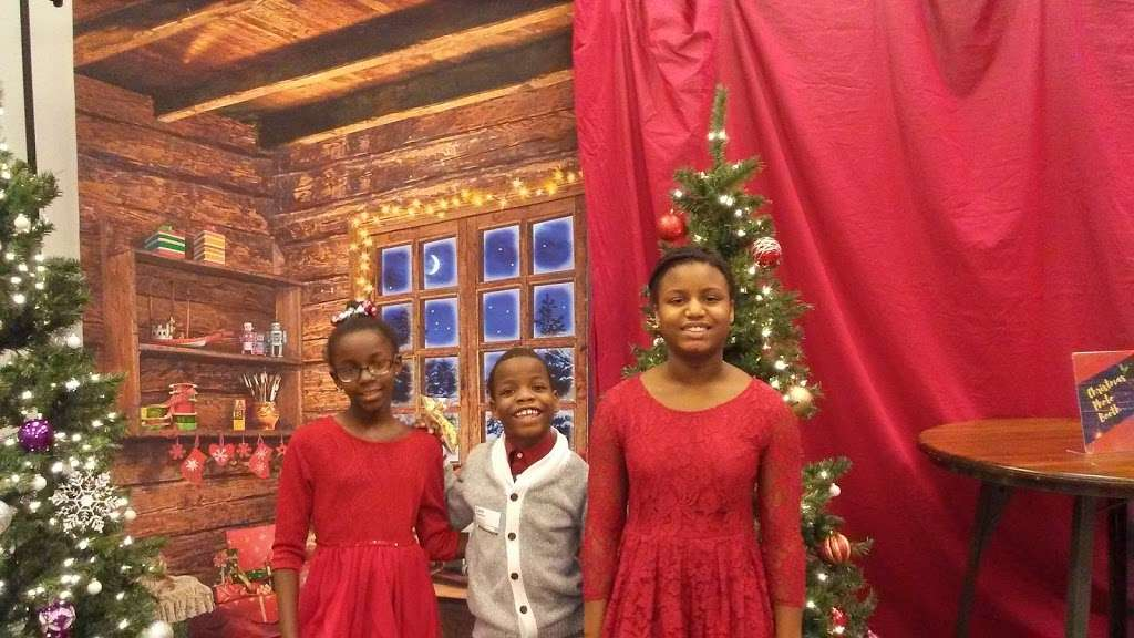 MERCY ROAD CHURCH - church    Photo 5 of 10   Address: 2381 Pointe Pkwy, Carmel, IN 46032, USA   Phone: (317) 569-0827