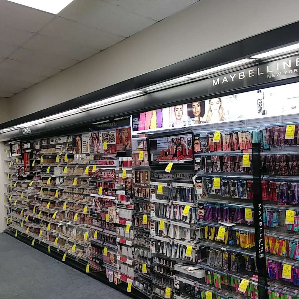CVS - convenience store  | Photo 8 of 10 | Address: 6417 W Higgins Ave, Chicago, IL 60656, USA | Phone: (773) 631-5906