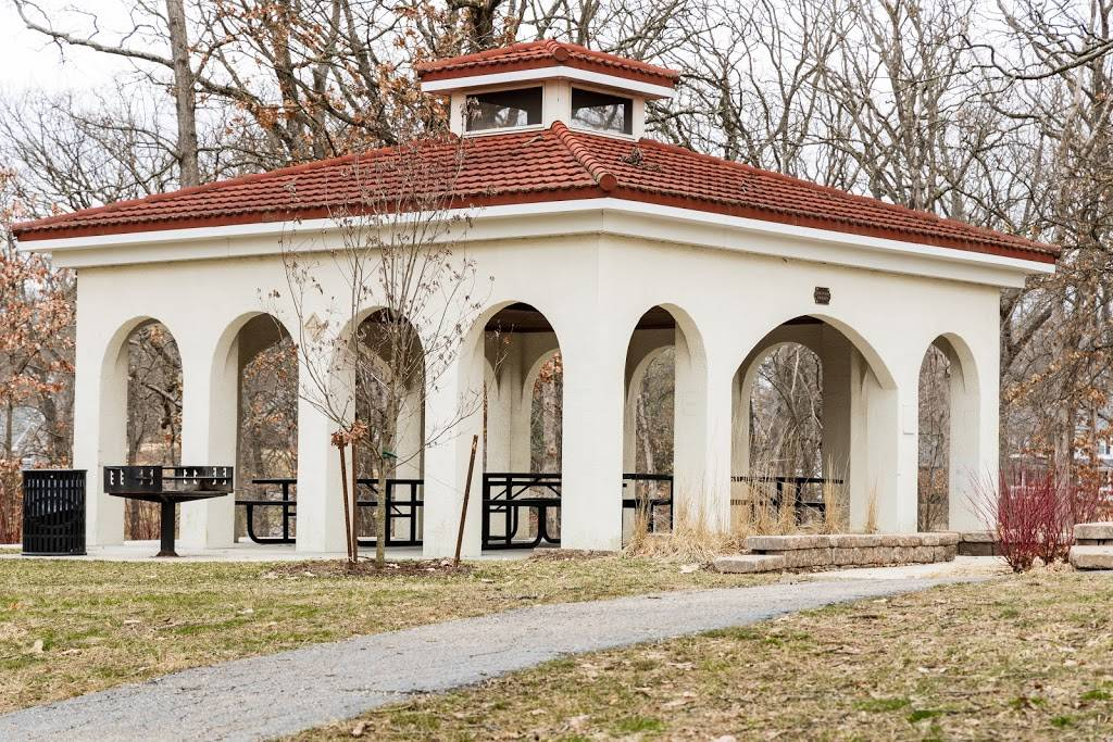 Blackburn Park - park  | Photo 1 of 10 | Address: Edgar Rd, Webster Groves, MO 63119, USA | Phone: (314) 963-5600