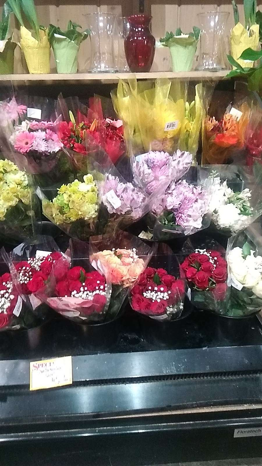 Kobacker Market Inc. - store  | Photo 7 of 9 | Address: 570 N Main St, Brewster, NY 10509, USA | Phone: (845) 279-3515