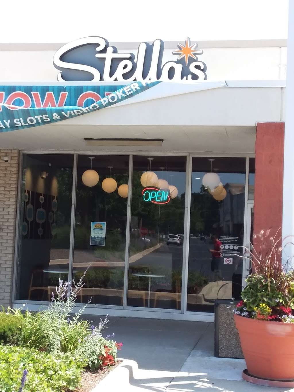 Stellas Place - cafe  | Photo 1 of 2 | Address: 3101 N Thatcher Road, River Grove, IL 60171, USA | Phone: (847) 388-0895