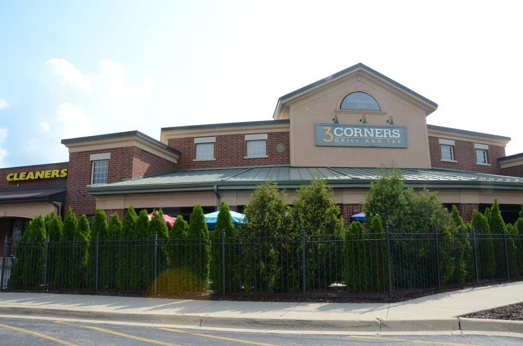 3 Corners Grill & Tap - restaurant  | Photo 3 of 10 | Address: 9701, 12371 Derby Rd, Lemont, IL 60439, USA | Phone: (630) 257-7780