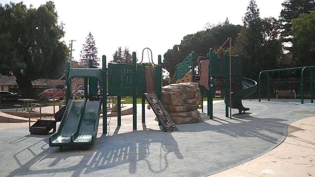 Del Medio Park - park  | Photo 4 of 10 | Address: 380 Del Medio Ave, Mountain View, CA 94040, USA | Phone: (650) 903-6326