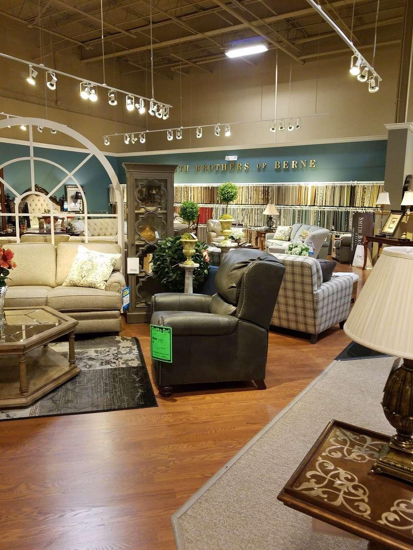 Gardiner Wolf Furniture Furniture Store 2400