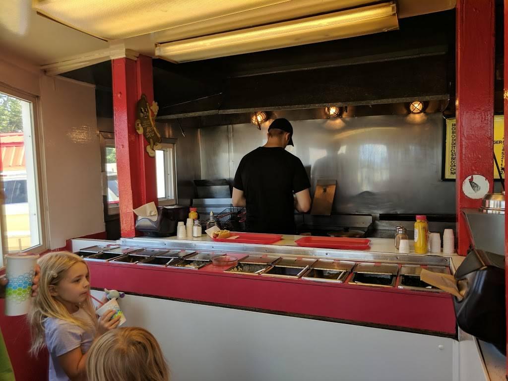 Red Top Hot Dogs - restaurant  | Photo 6 of 9 | Address: 3360 Big Tree Rd, Hamburg, NY 14075, USA | Phone: (716) 627-5163