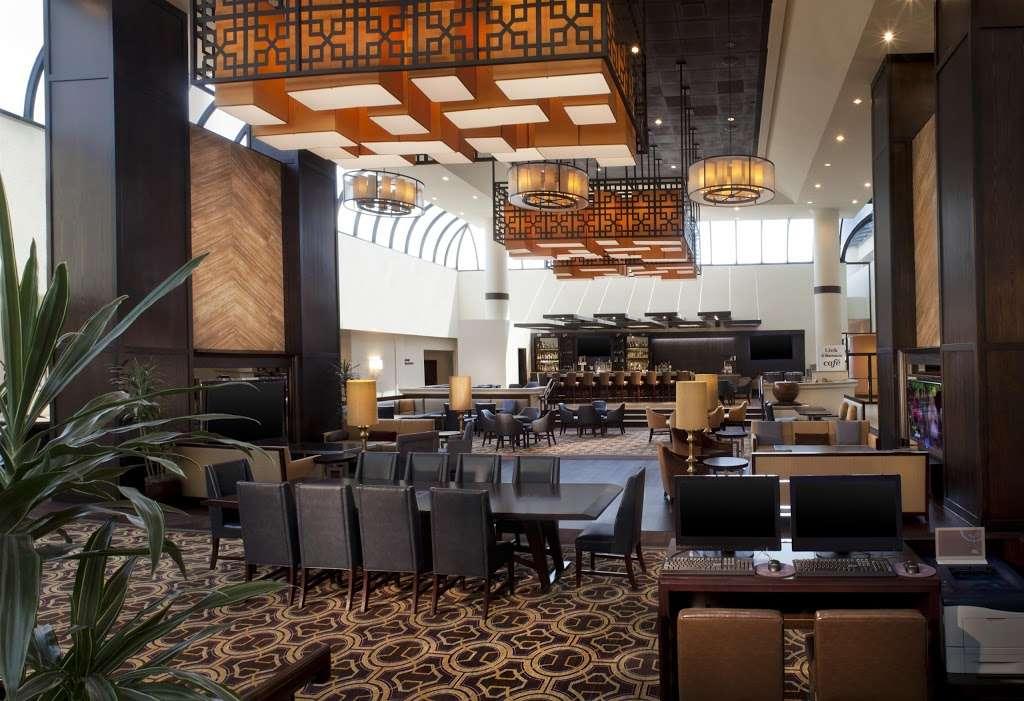 Sheraton DFW Airport Hotel - lodging  | Photo 4 of 10 | Address: 4440 W John Carpenter Fwy, Irving, TX 75063, USA | Phone: (972) 929-8400
