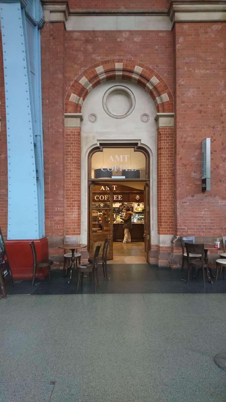 AMT Coffee - cafe  | Photo 8 of 10 | Address: Euston Rd, Kings Cross, London N1C 4QP, UK | Phone: 020 3772 4000