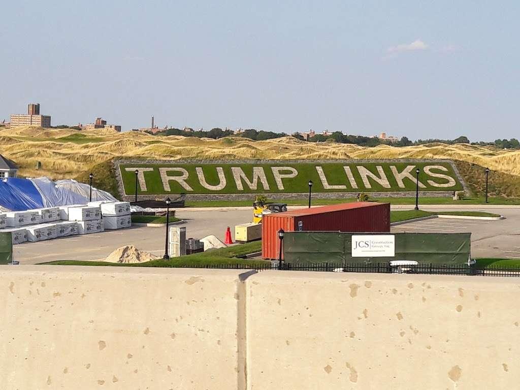 Trump Golf Links, Ferry Point - restaurant  | Photo 4 of 10 | Address: 500 Hutchinson River Pkwy, Bronx, NY 10465, USA | Phone: (718) 414-1555