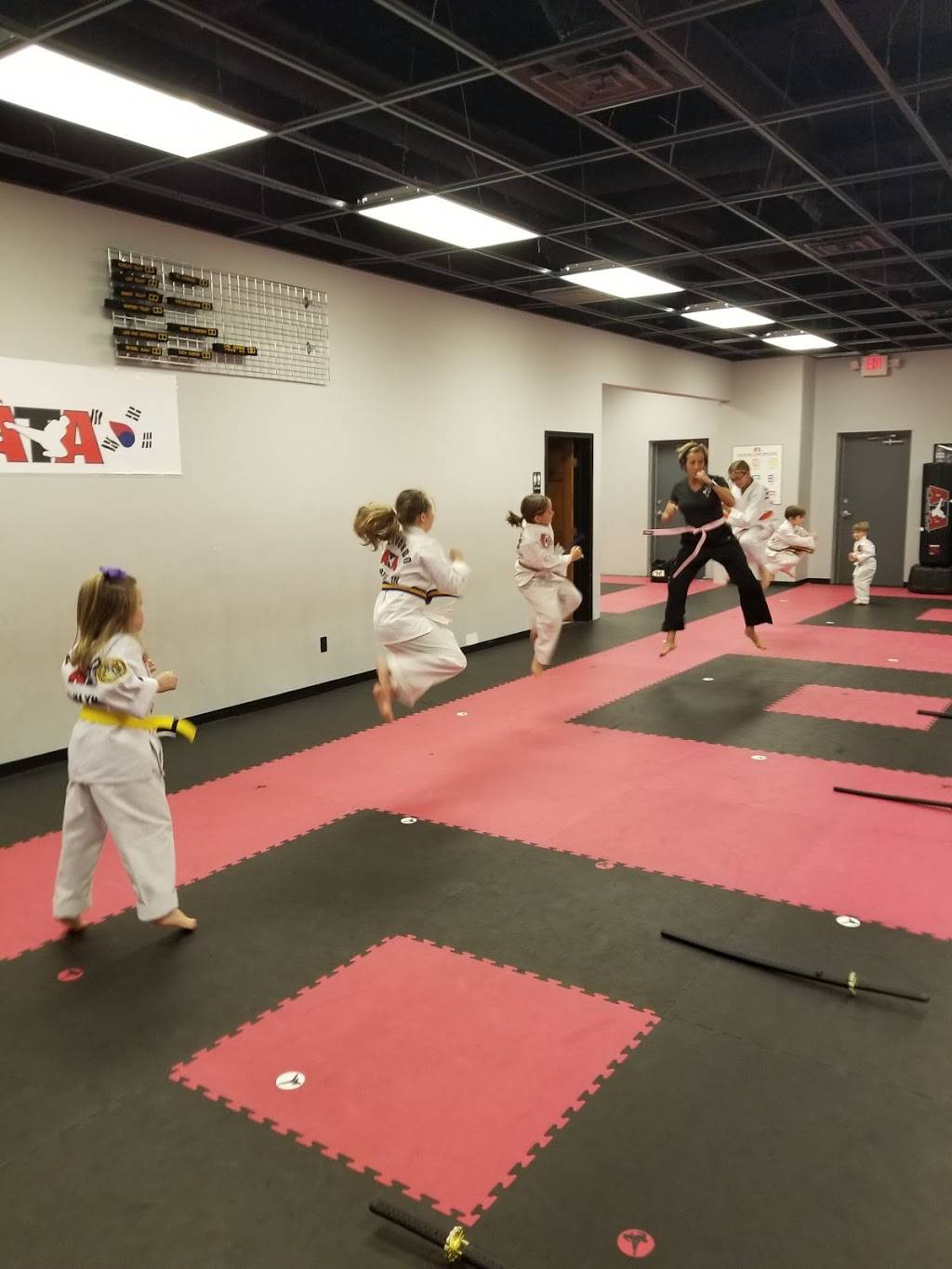 Dupont Taekwondo - health  | Photo 6 of 8 | Address: 8804 Coldwater Rd, Fort Wayne, IN 46825, USA | Phone: (260) 490-1282
