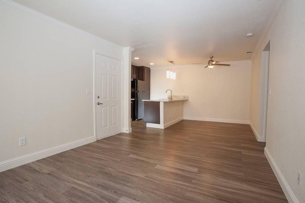 Eclipse96 Apartments - real estate agency    Photo 6 of 9   Address: 12202 Fair Oaks Blvd, Fair Oaks, CA 95628, USA   Phone: (916) 961-2443