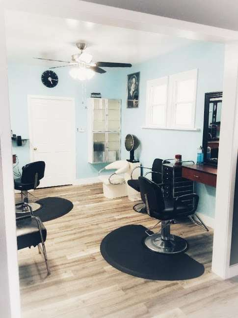Super Hair Designers - hair care  | Photo 1 of 5 | Address: 4736 N Damen Ave, Chicago, IL 60625, USA | Phone: (773) 275-6831