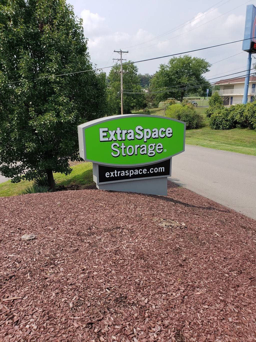 Extra Space Storage - moving company    Photo 5 of 10   Address: 110 Kisow Dr, Pittsburgh, PA 15205, USA   Phone: (412) 921-6060