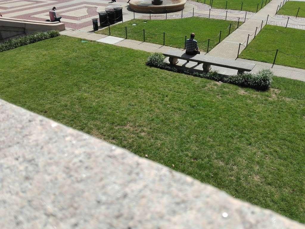 Columbia University - university  | Photo 5 of 10 | Address: 116th St & Broadway, New York, NY 10027, USA | Phone: (212) 854-1754