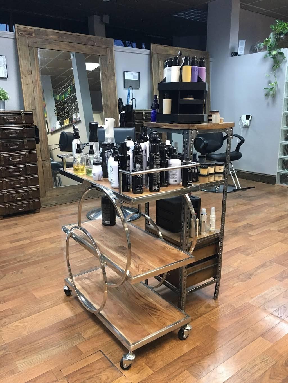 Vandelay Hair Industries Midtown - hair care  | Photo 6 of 10 | Address: 1430 20th St, Sacramento, CA 95811, USA | Phone: (916) 247-6920