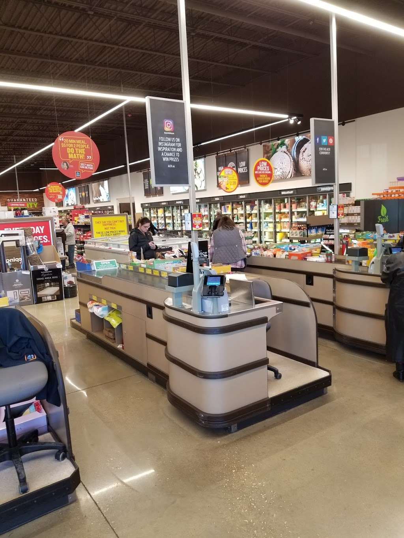 ALDI - supermarket  | Photo 1 of 10 | Address: 1038 N Rohlwing Rd, Addison, IL 60101, USA | Phone: (855) 955-2534