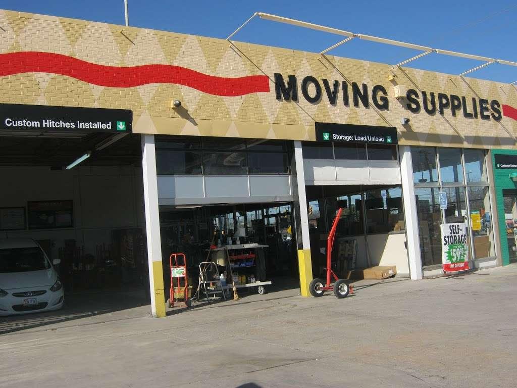 U-Haul Moving & Storage of South Park - moving company    Photo 9 of 10   Address: 1826 SW Military Dr, San Antonio, TX 78221, USA   Phone: (210) 922-3666