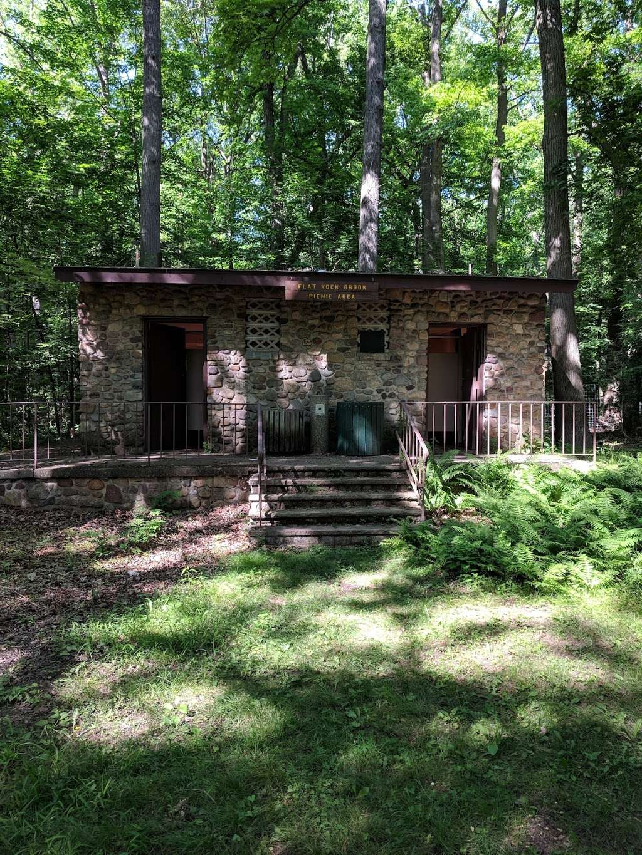 Flat Rock Brook Nature Center - park  | Photo 7 of 10 | Address: 288 Jones Rd, Englewood, NJ 07631, USA