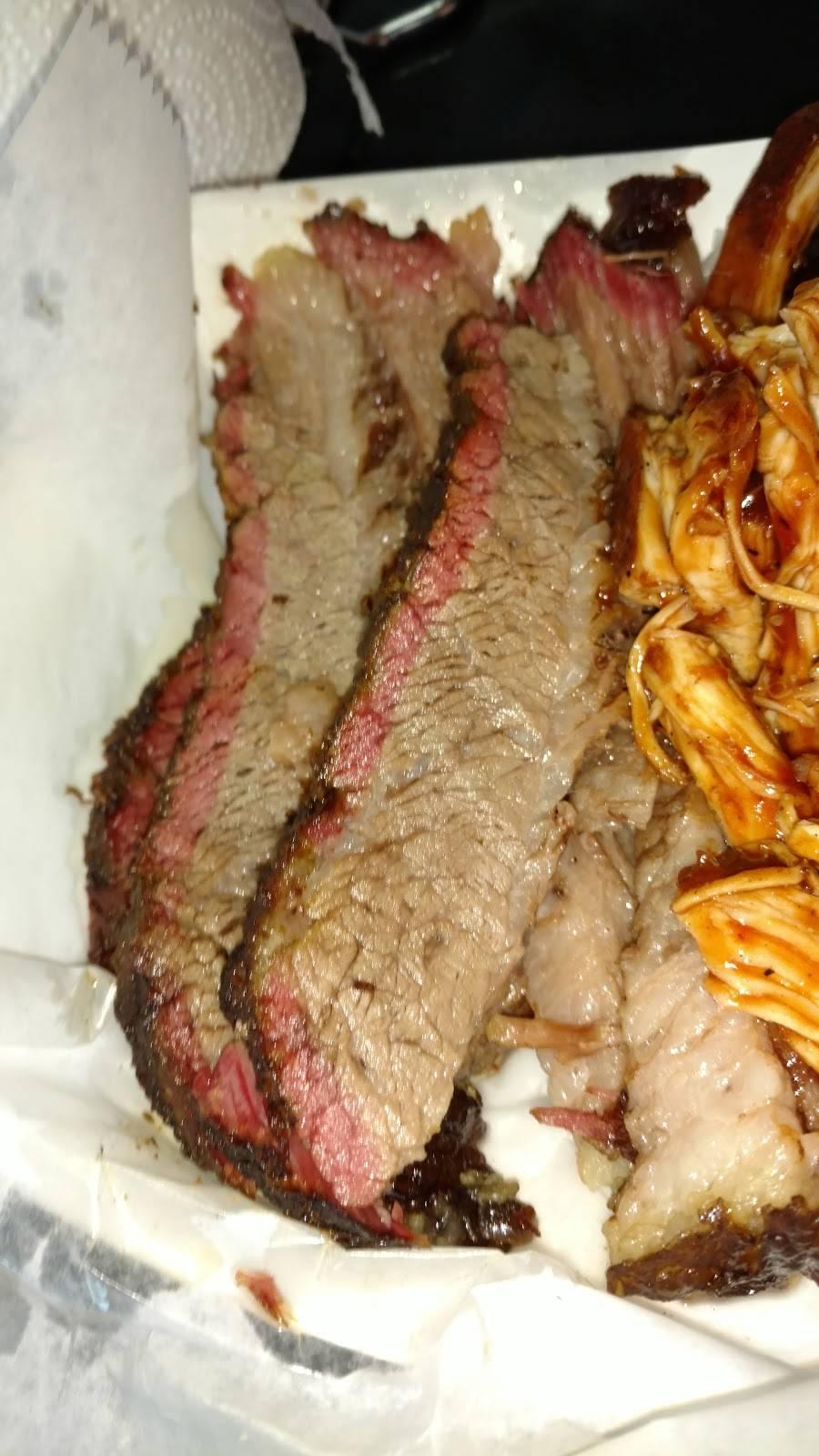 Harleys Hardwoodz BBQ - restaurant  | Photo 6 of 10 | Address: 1611 Charlestown New Albany Rd, Jeffersonville, IN 47130, USA | Phone: (812) 284-4490