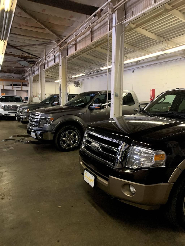 Sunlight Auto LLC - car dealer  | Photo 4 of 9 | Address: 16120 S Waterloo Rd, Cleveland, OH 44110, USA | Phone: (216) 795-5950