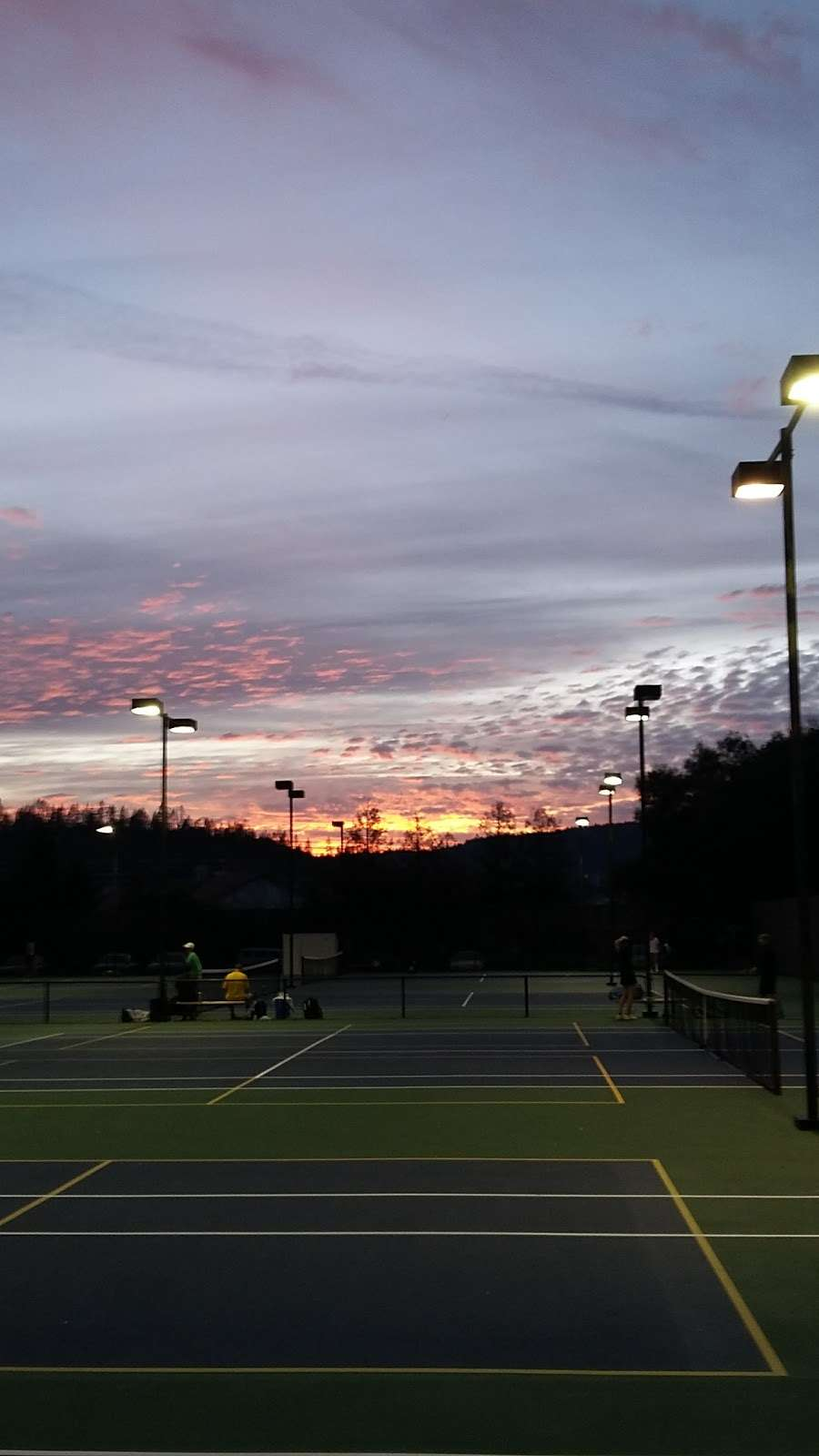 Sky Park Tennis - gym  | Photo 4 of 5 | Address: 912 Coast Range Dr, Scotts Valley, CA 95066, USA