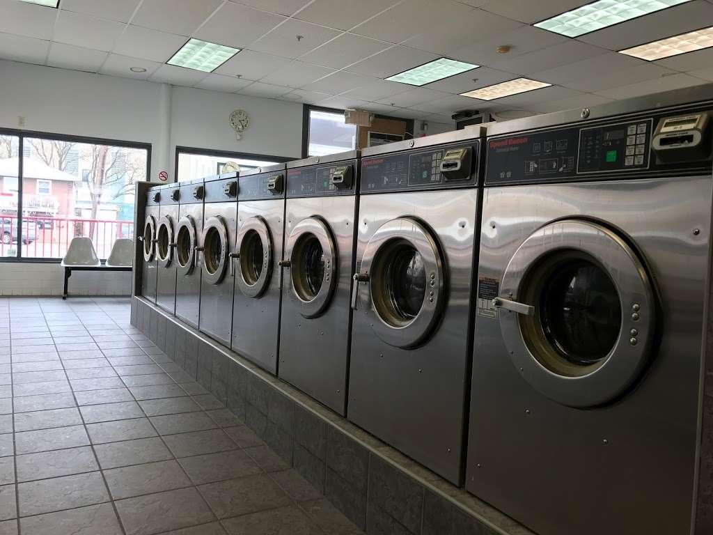 Scrubs Laundromat - laundry  | Photo 9 of 9 | Address: 315 Main St #4, Little Ferry, NJ 07643, USA | Phone: (201) 440-3343