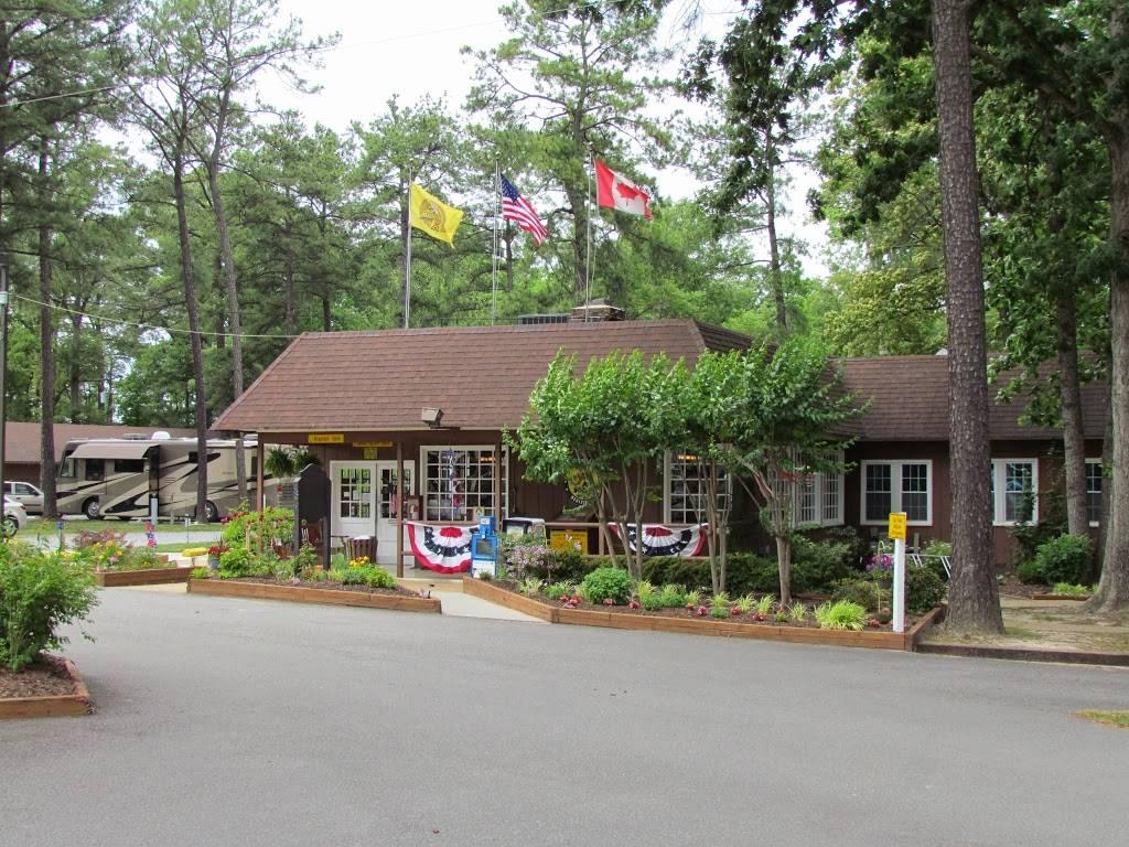 Americamps RV Resort, 11322 Air Park Rd, Ashland, VA 23005, USA
