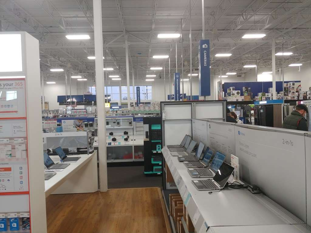 Best Buy - electronics store    Photo 8 of 10   Address: 18053 Garland Groh Blvd, Hagerstown, MD 21740, USA   Phone: (240) 420-8523