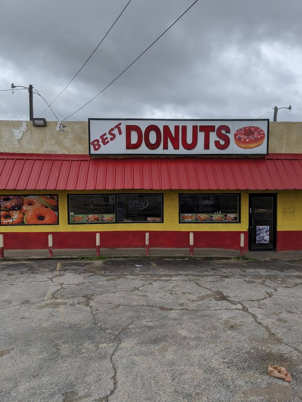 Best Donuts - bakery  | Photo 2 of 2 | Address: 2400 NE 28th St, Fort Worth, TX 76106, USA | Phone: (682) 250-6948