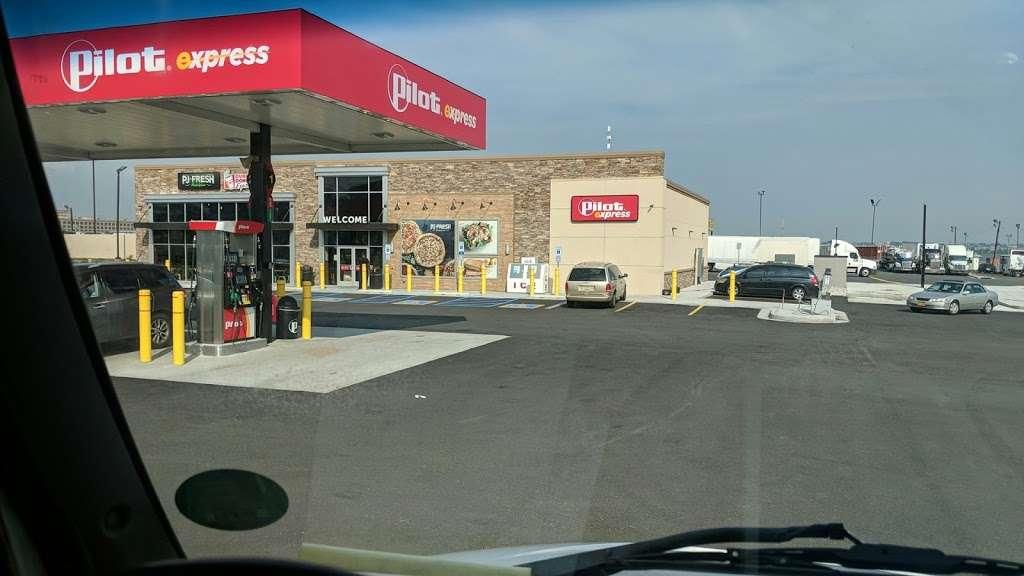 Pilot Express - store  | Photo 6 of 10 | Address: 400 Doremus Ave, Newark, NJ 07105, USA | Phone: (973) 589-3090