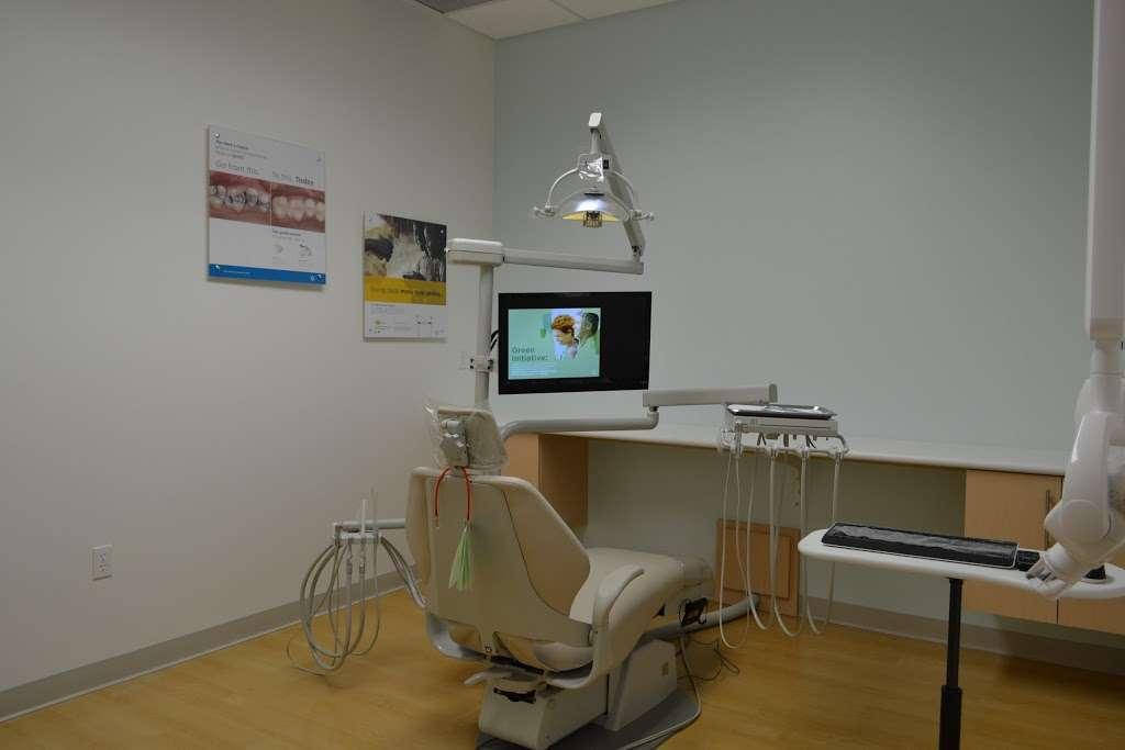 La Jolla Village Smiles Dentistry and Implants - dentist  | Photo 4 of 8 | Address: 8657 Villa La Jolla Dr Ste 211, La Jolla, CA 92037, USA | Phone: (858) 272-2260