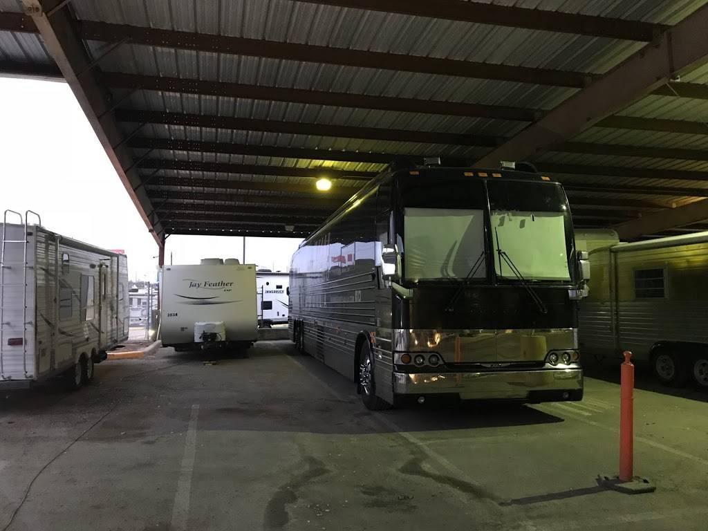 Easy RV Storage and Service - car dealer  | Photo 3 of 9 | Address: 7310 E Ben White Blvd, Austin, TX 78741, USA | Phone: (512) 924-8941