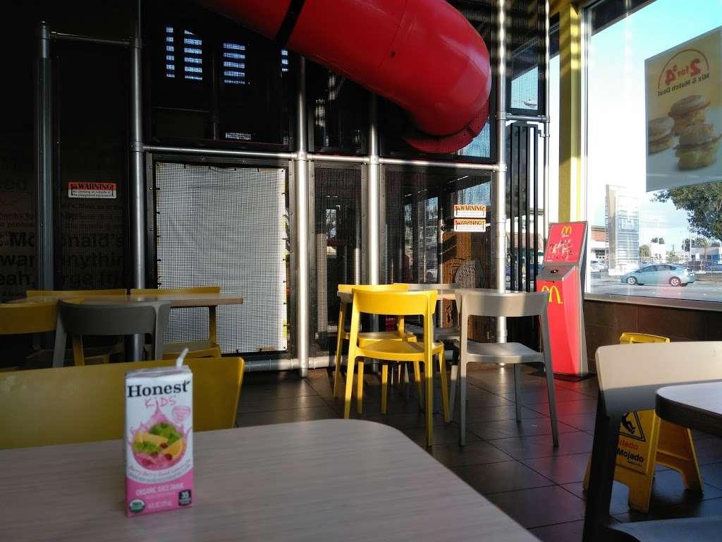 McDonalds - cafe  | Photo 6 of 10 | Address: 1419 W Redondo Beach Blvd, Gardena, CA 90247, USA | Phone: (310) 324-8619
