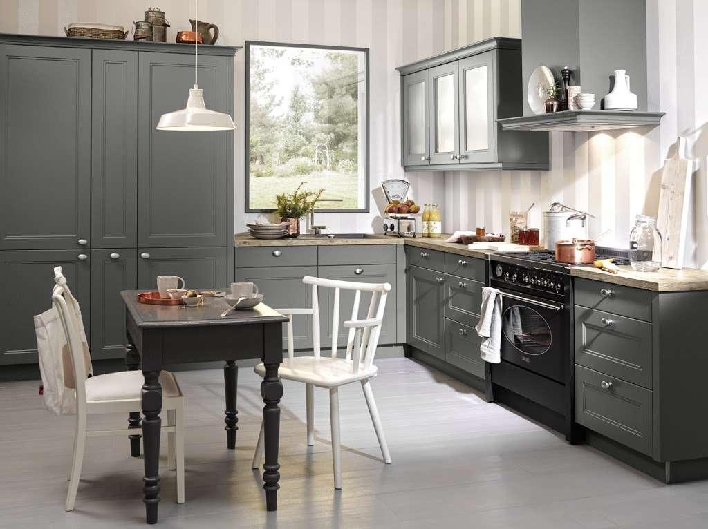 C & C Kitchens Ltd - home goods store  | Photo 3 of 10 | Address: 24 Fairways, Cheshunt, Waltham Cross EN8 0NL, UK | Phone: 01992 666150