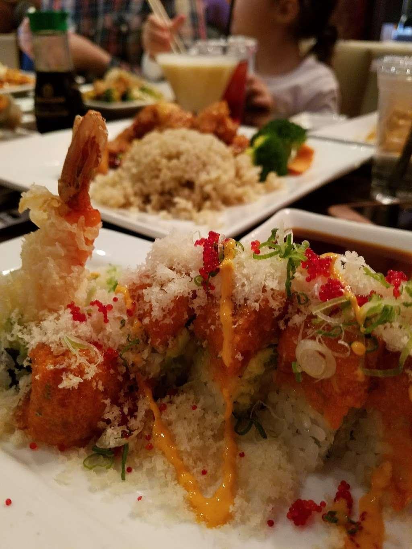 Haiku Asian Bistro - restaurant  | Photo 8 of 10 | Address: 717 White Plains Rd, Scarsdale, NY 10583, USA | Phone: (914) 722-4200