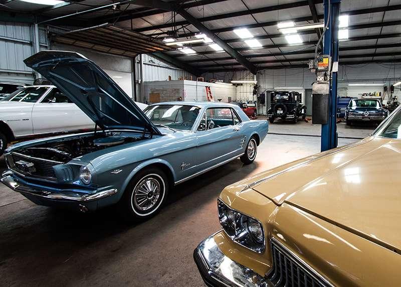 MJC Classic Cars - car dealer    Photo 5 of 10   Address: 355 S Lake Parker Ave, Lakeland, FL 33801, USA   Phone: (863) 944-8615