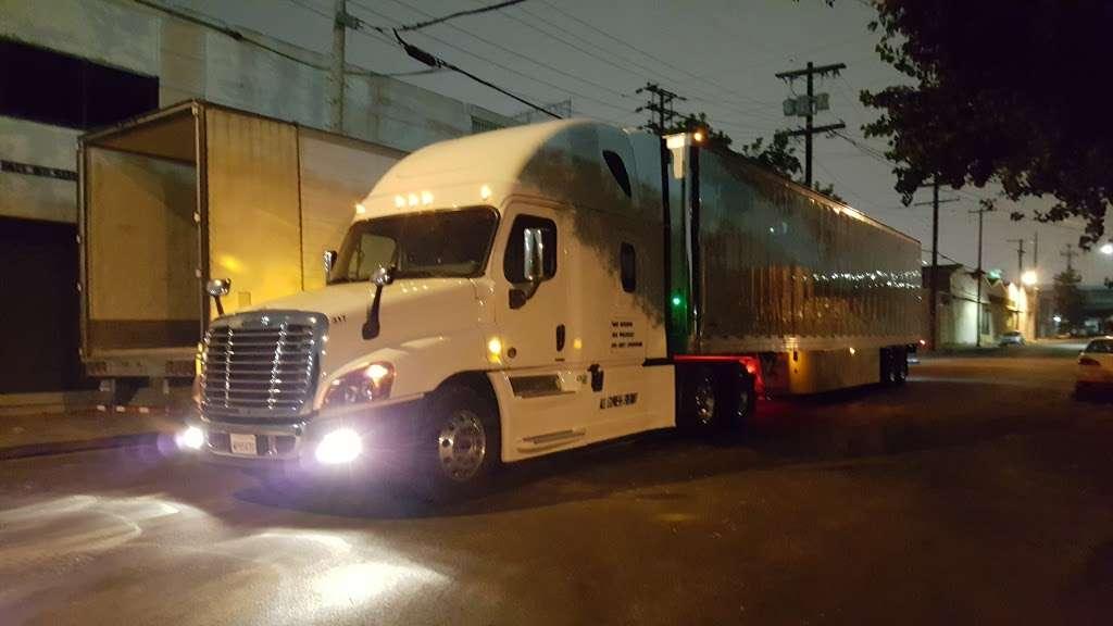 Marquez Produce Inc - store  | Photo 1 of 8 | Address: 2155 E 14th St, Los Angeles, CA 90021, USA | Phone: (213) 622-7638