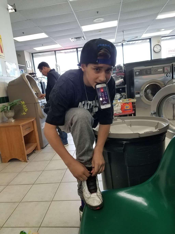 Riverside Laundromat - laundry  | Photo 4 of 4 | Address: 26 River Rd, North Arlington, NJ 07031, USA | Phone: (201) 955-3114