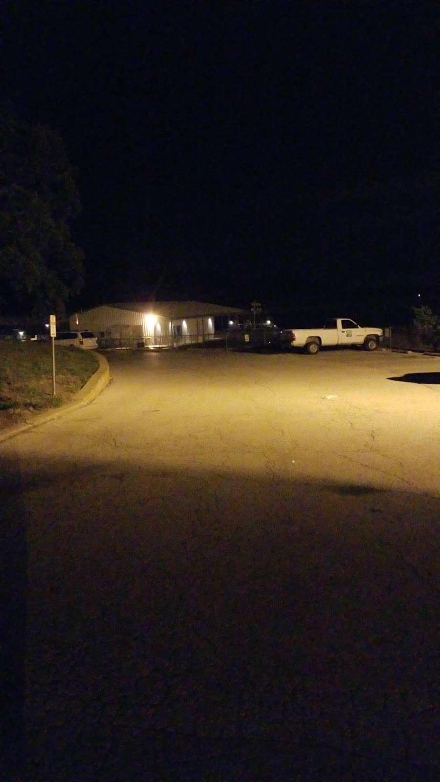 Lake Jacomo Shelter - park  | Photo 7 of 7 | Address: 7401 W Park Rd, Blue Springs, MO 64015, USA | Phone: (816) 795-8888