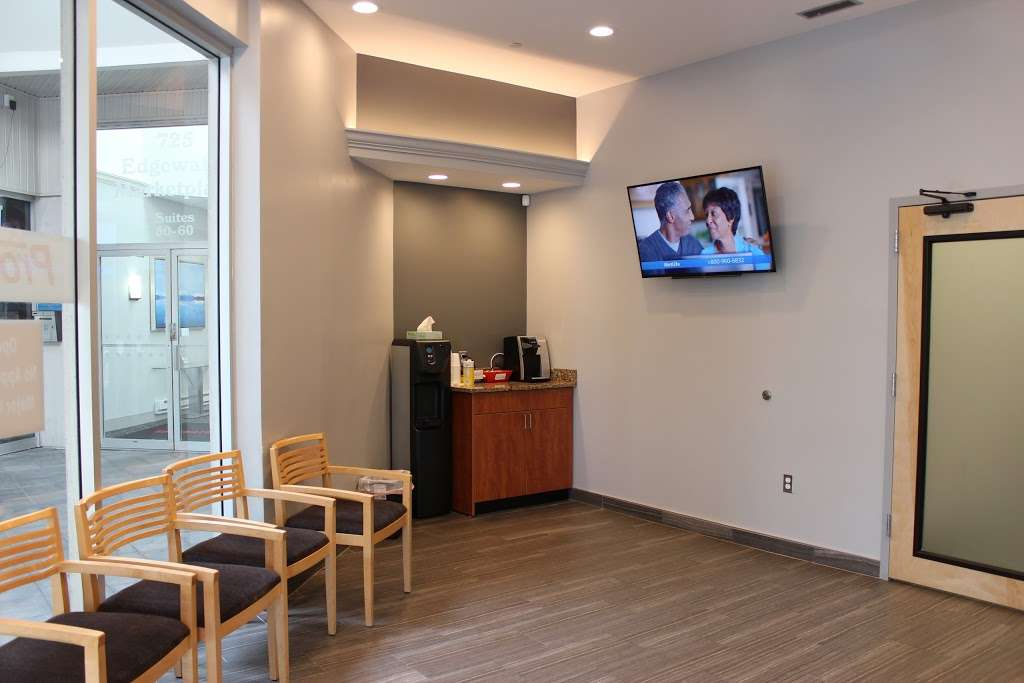 PromptMD Urgent Care Center Edgewater - doctor  | Photo 3 of 10 | Address: 725 River Rd, Edgewater, NJ 07020, USA | Phone: (201) 941-1555