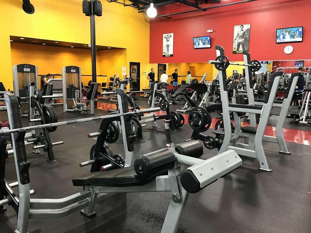 Golds Gym - gym  | Photo 7 of 10 | Address: 3040 FM 1960 #300, Houston, TX 77073, USA | Phone: (281) 645-2100