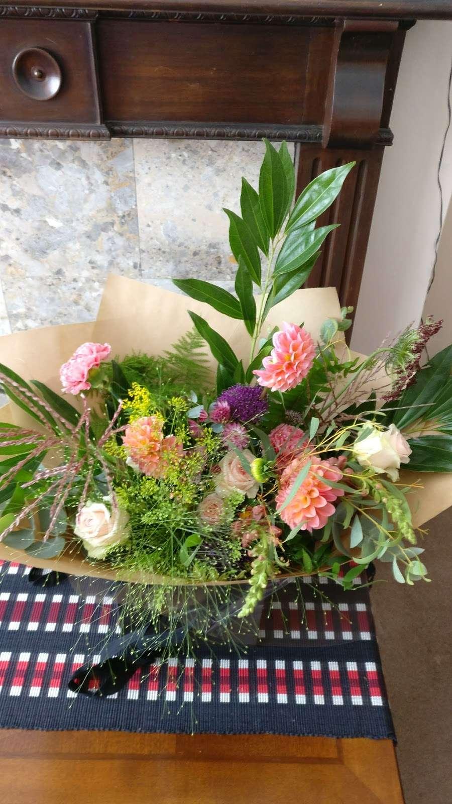 Grace and Thorn - florist  | Photo 9 of 10 | Address: 338 Hackney Rd, London E2 7AX, UK | Phone: 020 7739 1521