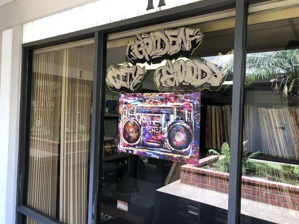 Golden City Goods - electronics store  | Photo 2 of 10 | Address: 2323 N Tustin Ave ste h, Santa Ana, CA 92705, USA | Phone: (657) 220-8531